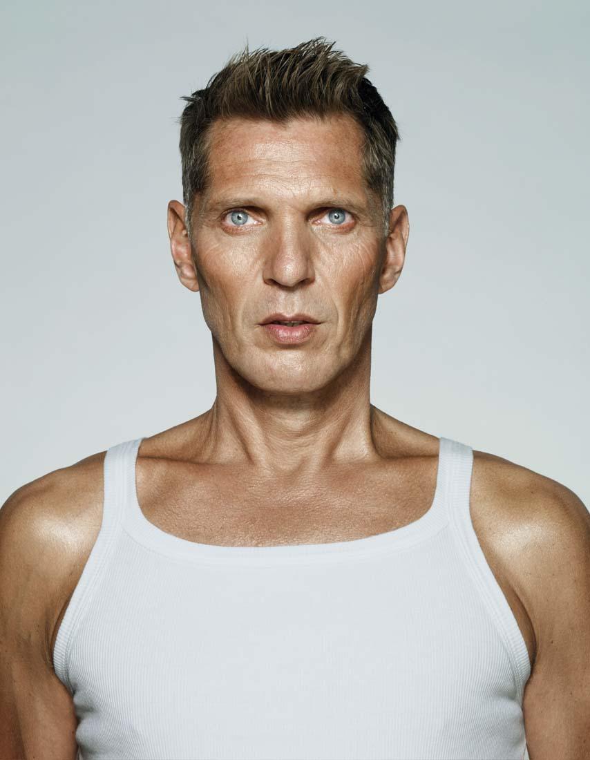 Erwin Olaf, I am, 2009