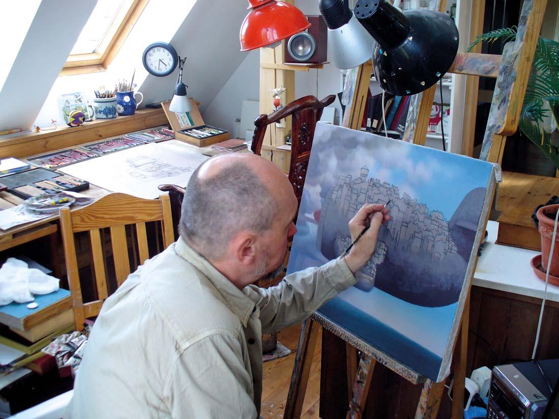 Jacek Yerka podczas pracy nad obrazem