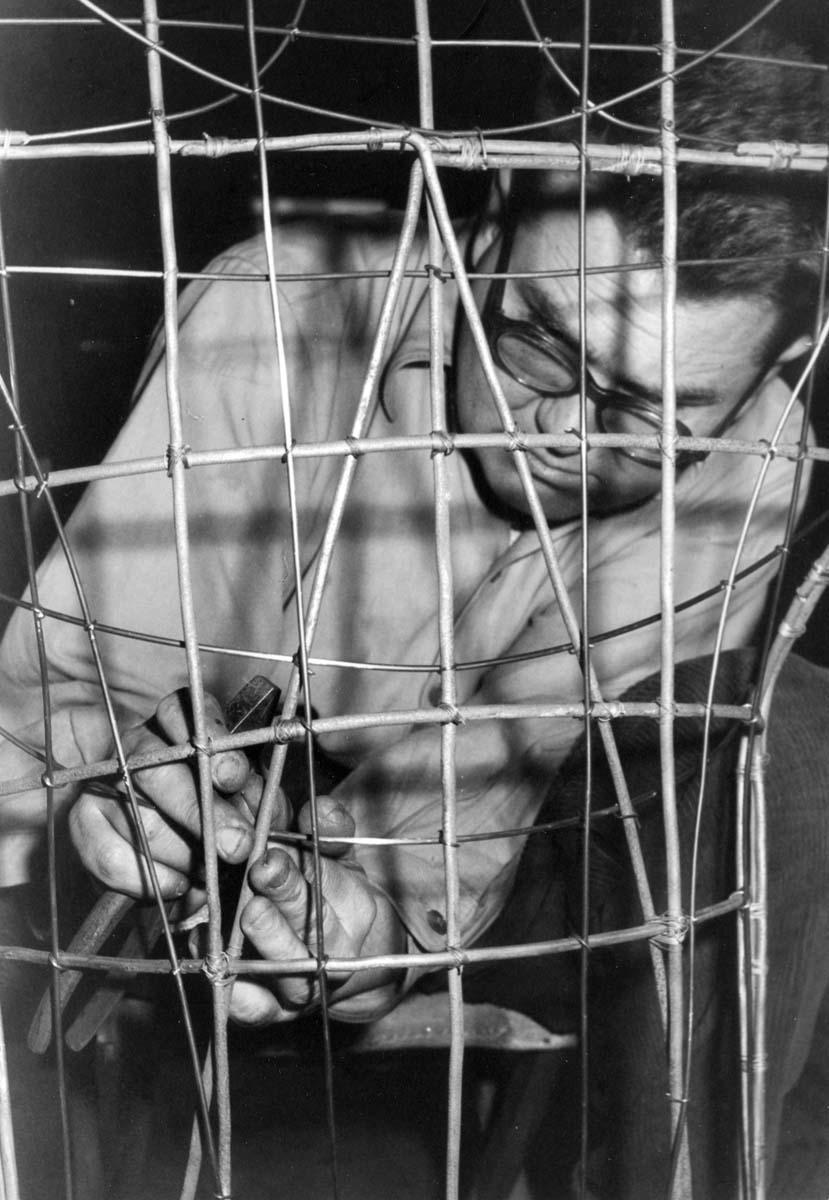Zdzisław Beksiński obrazy, sanok, muzeum w sanoku, artysta i sztua, surrealizm, pracownia
