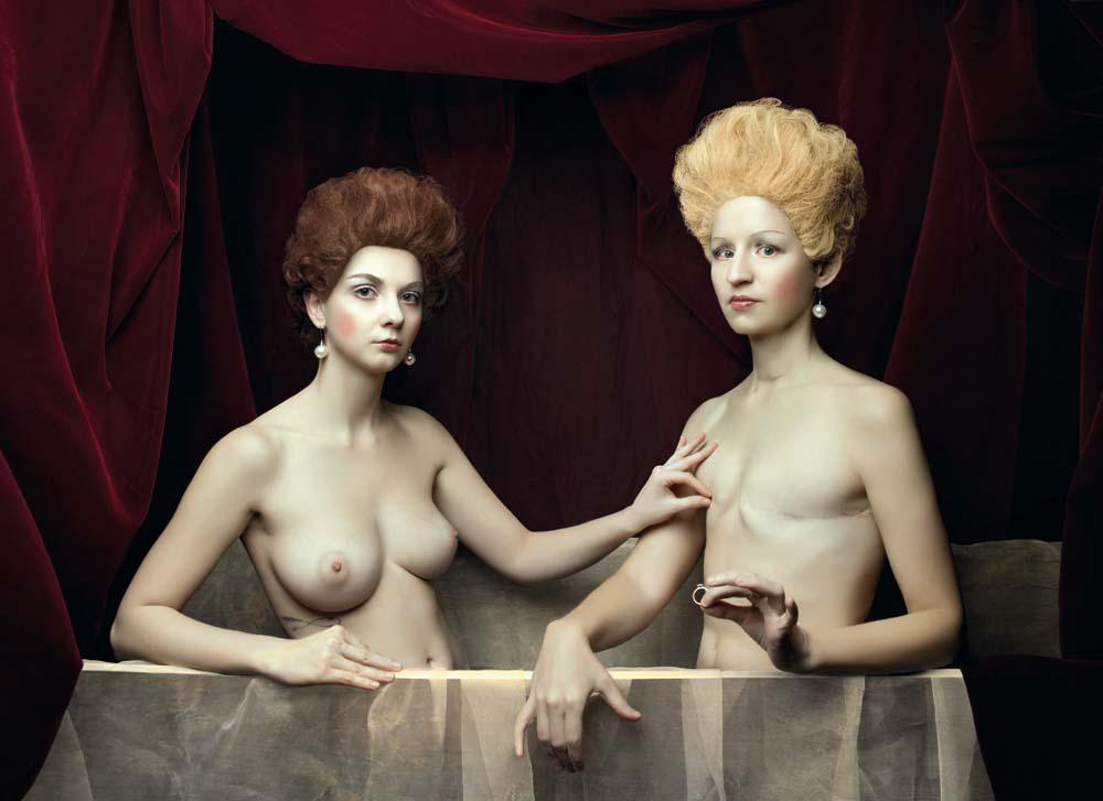 Sylwia Makris, Portret Gabrielle d'Estrées i jednej z jej sióstr / Szkoła Fontaineblau, modelki: Alex Davidson i Vanessa, 80 x 110 cm, fotodruk na płótnie